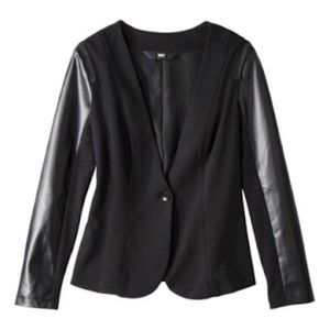 Women's Faux Leather w/Chain Detail Blazer XL
